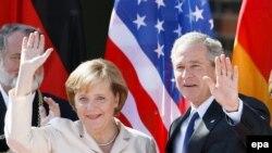 Джордж Буш ждет от Ангелы Меркель помощи в сближении позиций США и России