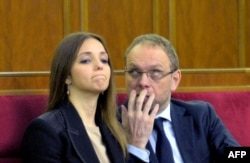 Дочь Юлии Тимошенко Евгения и ее адвокат Сергей Власенко в Верховной раде