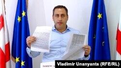 Как утверждает Георгий Вашадзе, ксерокопии в его руках – это неоспоримые доказательства преступного сговора власти и избирательной администрации