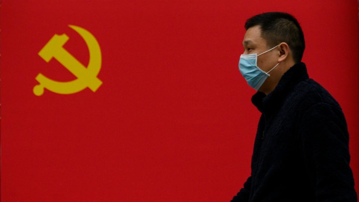 Китай: людям разрешили выезжать за пределы Уханя впервые с 23 января