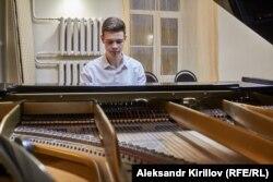 Пианист Юрий Прытков