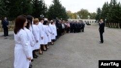 Prezident İlham Əliyev əsaslı şəkildə yenidən qurulan Saatlı Mərkəzi Rayon Xəstəxanası ilə tanış olub