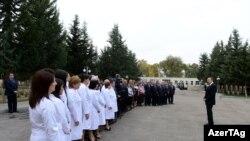 Президент Ильхам Алиев в Центральной больнице Саатлинского района, 27 октября 2012