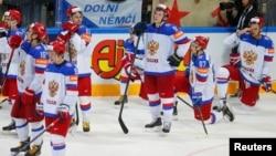 Хоккеисты сборной России после завершения финального матча