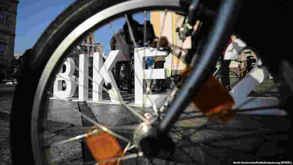 За результатами підрахунку Асоціації велосипедистів Києва (восени 2018 року), кількість велосипедистів зросла в місті на 40% за останній рік