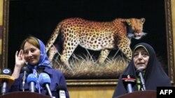سگولن رویال، وزیر محیط زیست فرانسه و معصومه ابتکار رئیس سازمان حفاظت از محیط زیست ایران