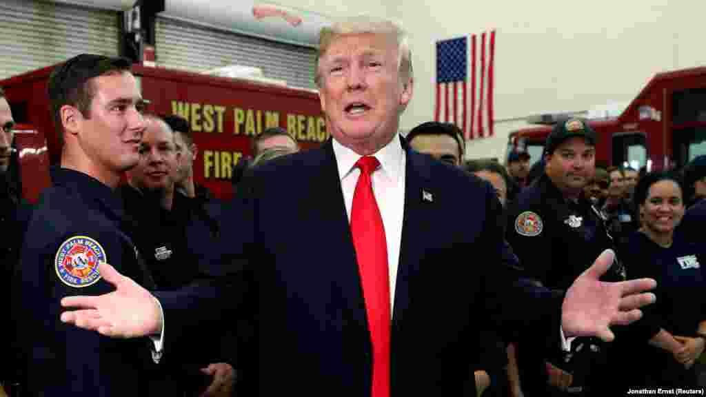 САД - Американскиот претседател Доналд Трамп на Твитер напиша дека ги почитува Иранците што протестираат против корумпираната влада.Ќе видите голема поддршка од САД во соодветно време, напиша Трамп.