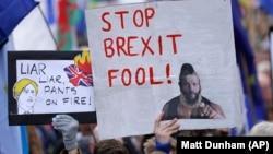 Protestatari anti-Brexit