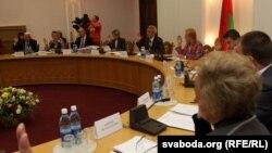 Рэгістрацыя ініцыятыўных групаў у ЦВК падчас мінулых прэзыдэнцкіх выбараў. 27 верасьня 2010