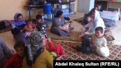 عائلات نازحة في مدرسة بدهوك