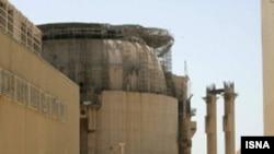 نیروگاه اتمی بوشهر که بارها راه اندازی آن با مانع روبرو شده است.