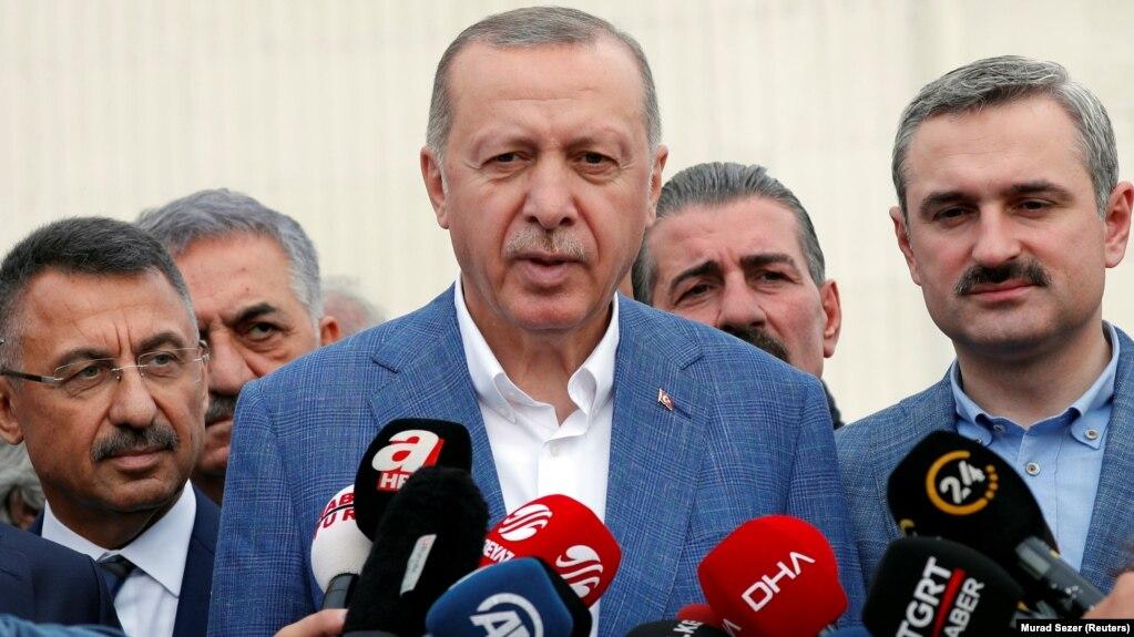 """Erdogan: """"İyulda Rusiyadan S-400 raketlərinin göndərilməsinə başlanacaq"""