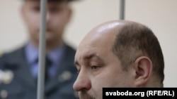 Дзмитрий Бандаренка дар додгоҳ(Акс аз бойгонӣ)