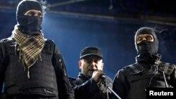 Дмитрий Ярош на митинге на площади Независимости в Киеве