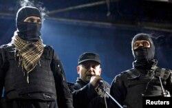 Дмитро Ярош виступає під час Революції гідності