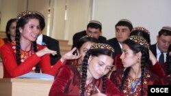 Türkmen talyplary.