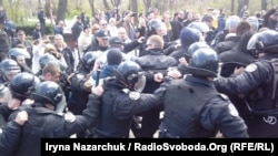 Рік тому, 10 квітня 2017 року, під час відзначення річниці звільнення Одеси від нацистів сталися сутички
