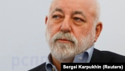 "U.S. regulatory filings call Columbus Nova a ""U.S. affiliate"" of Russian billionaire Viktor Vekselberg's conglomerate."