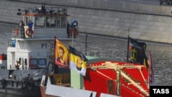 Крест был доставлен из Соловецких островов в Москву по воде