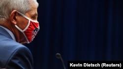 Dr. Anthony Fauci, directorul Institutului Național de Boli Infecțioase în timpul audierilor de la Washington