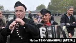 Ярмарки, фестивали, выставки и живая музыка – город оживлен