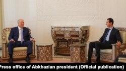 Аслан Бжания и Башар Асад