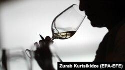 Йдеться, зокрема, про заборону поставок вина і мінеральної води з Грузії