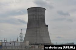 Трубы АЭС відаць за дзясяткі кілямэтраў