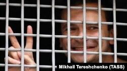 За останній місяць Яшина вже тричі відправляли під адміністративний арешт за різними звинуваченнями, пов'язаними з неузгодженими масовими акціями в Москві