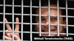 ایلیا یاشین فعال ضد حکومت روسیه توسط پولیس به محکمهای در مسکو انتقال میشود. August 8, 2019