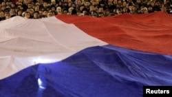 На Вацлавській площі в Празі зыбралися чехи, щоб вшанувати пам'ять першого президента Чехії та останнього президента Чехословаччини Вацлава Гавела, 18 грудня 2011 року