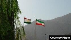 Тажикстан, Иран желеги