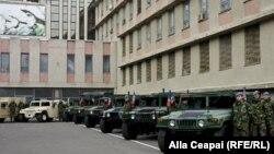 Vehicule Humvees donate de Statele Unite armatei moldovene