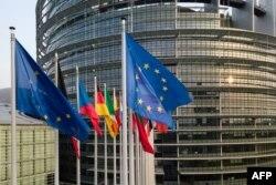 У входа в здание Европарламента в Страсбурге
