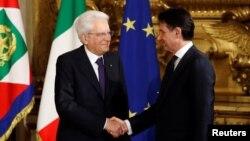 Președintele Sergio Mattarella și premierul Giuseppe Conte