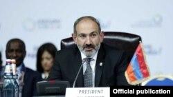 Премьер-министр Армении Никол Пашинян на саммите Франкофонии, Ереван, 11 октября 2018 г.