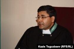 Мухтар Амиров, судья Алмалинского районного суда. Алматы, 21 января 2014 года.