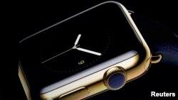 Pamje e orës Apple Watch që e paraqiti Tim Cook