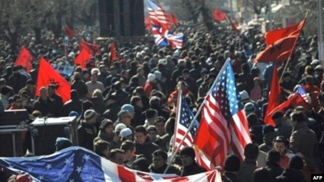 17 shkurt 2008, në pritje të shpalljes së pavarësisë