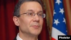 Заступник помічника держсекретаря США у справах Центральної Азії Деніел Розенблюм