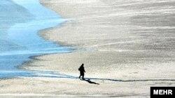 در طول سالهای گذشته ۲۰ ميليارد متر مکعب از آب درياچه ارومیه از بين رفته است.