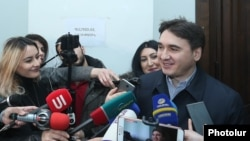 Armenian - Armen Gevorgian, a former senior aide to ex-President Robert Kocharian, speaks to journalists in a court building in Yerevan, January 29, 2019.