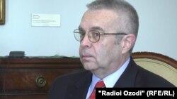 ATƏT-in Minsk Qrupunun amerikalı həmsədri Richard E Hoagland