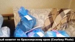 """""""Подарки"""" для ветеранов, найденные при обыске"""