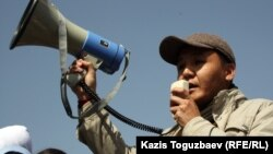 Журналист, Janaozen.net сайтының редакторы Қасым Аманжолұлы. Алматы, 24 наурыз 2012 жыл.