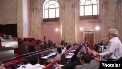 The National Assembly debating amendments to the Law on Television and Radio earlier this month.