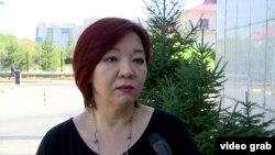 «НеМолчи.KZ» jemgyýetçilik guramasynyň ýolbaşçysy Dina Smailowa.