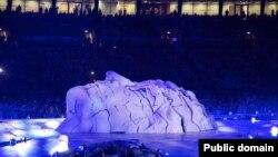 Сцэна з цырымоніі закрыцьця Алімпіяды 2012 у Лёндане