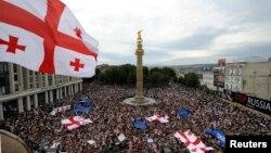 Скорее всего, новый министр по вопросам евроинтеграции будет назначен до того, как грузинская делегация отправится в Брюссель, то есть до 17 ноября, так как традиционно он присутствует на подобных мероприятиях