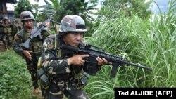 Psamje e ushtarëve të Filipineve afër qytetit Maravi që është nën kontroll të militantëve